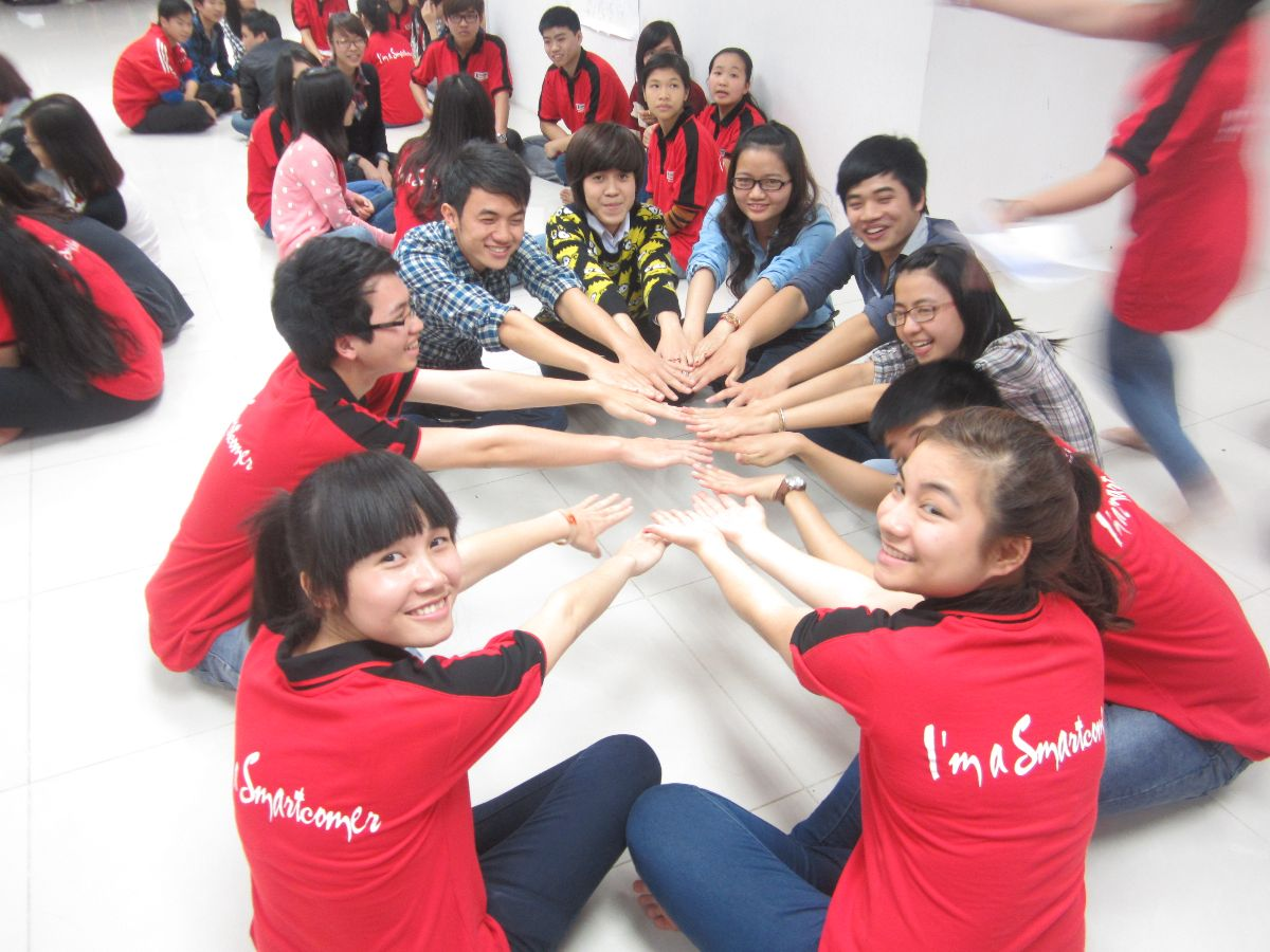 Teambuilding for Authentic English in Smartcom